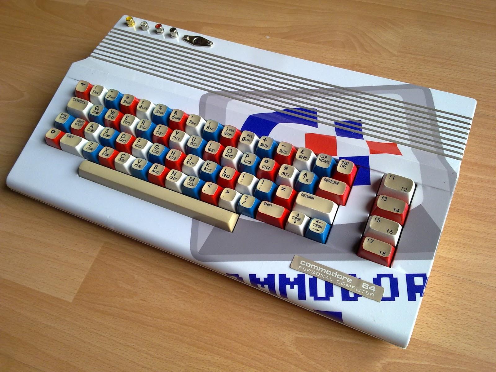 Праздничный Commodore 64
