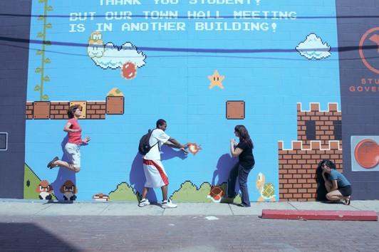 Интерактивная Mario-стена