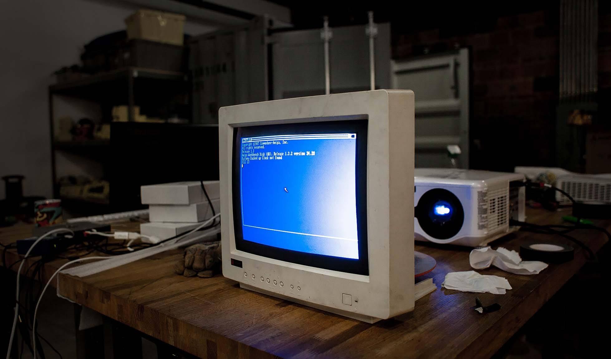 LCD или CRT?
