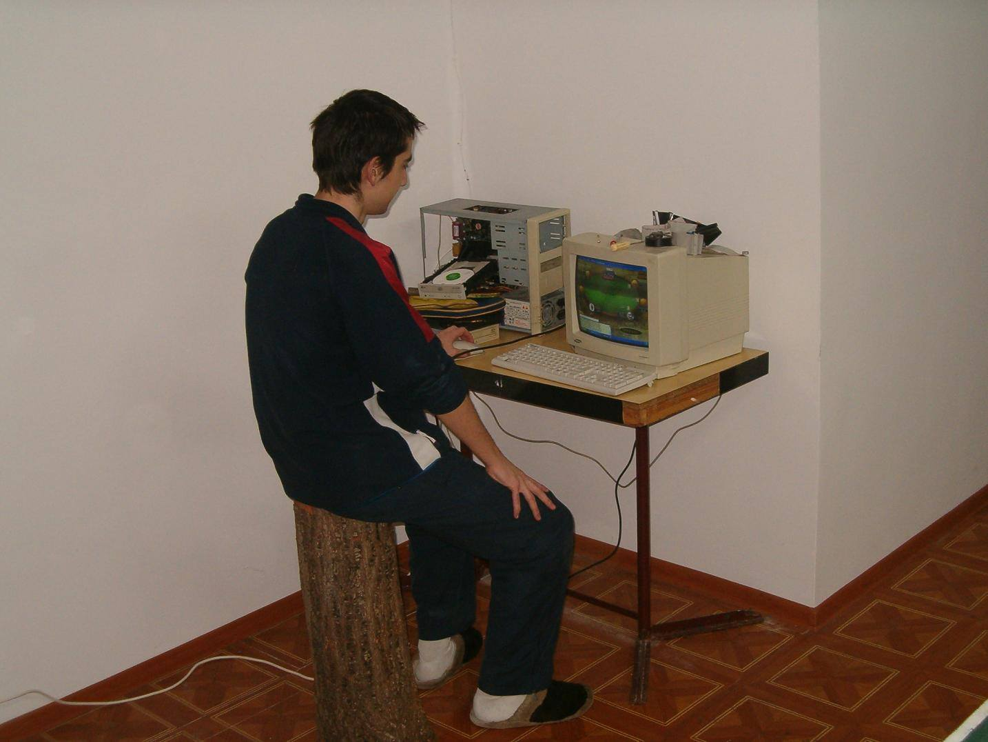retro gaming on PC with wood